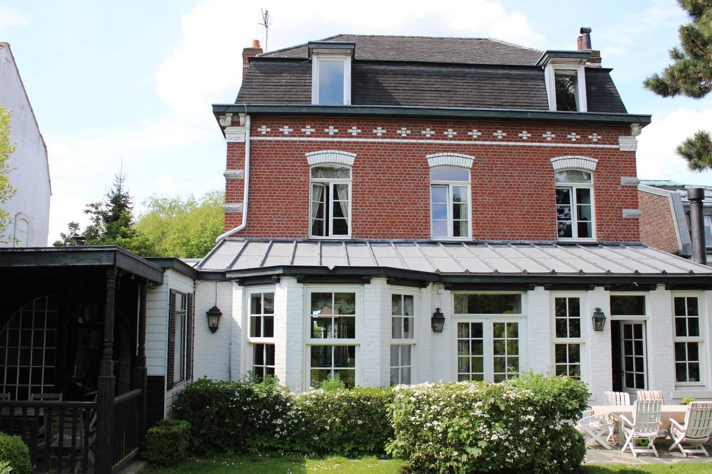 Marcq-en-Baroeul  - Maison 10 Pièces 6 Chambres - picture 1
