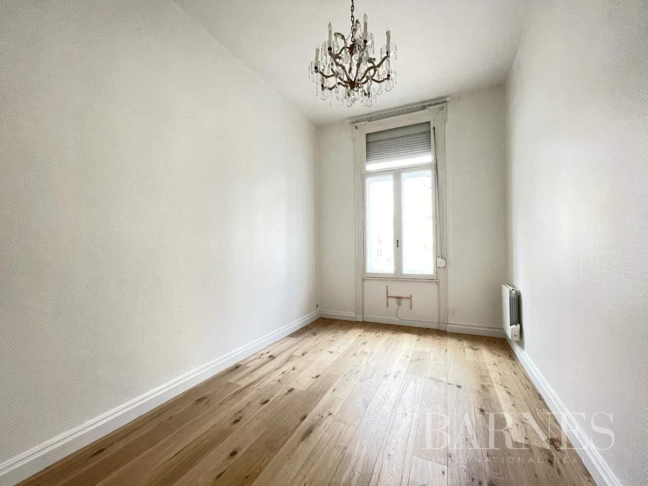 Lille  - Appartement 5 Pièces 2 Chambres - picture 4