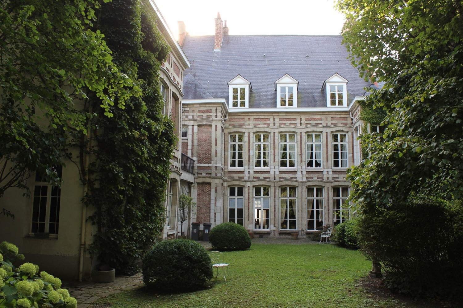 Lille  - House 8 Bedrooms - picture 1