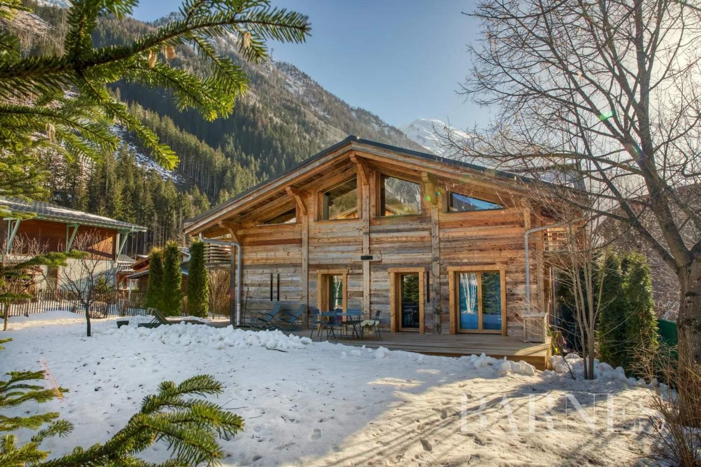 Chamonix-Mont-Blanc  - Chalet 4 Bedrooms - picture 1