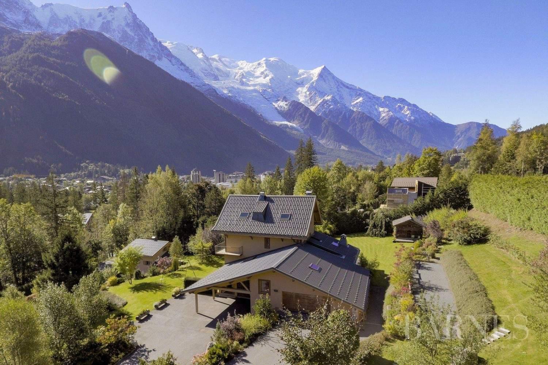 Chamonix-Mont-Blanc  - Chalet 8 Bedrooms - picture 1
