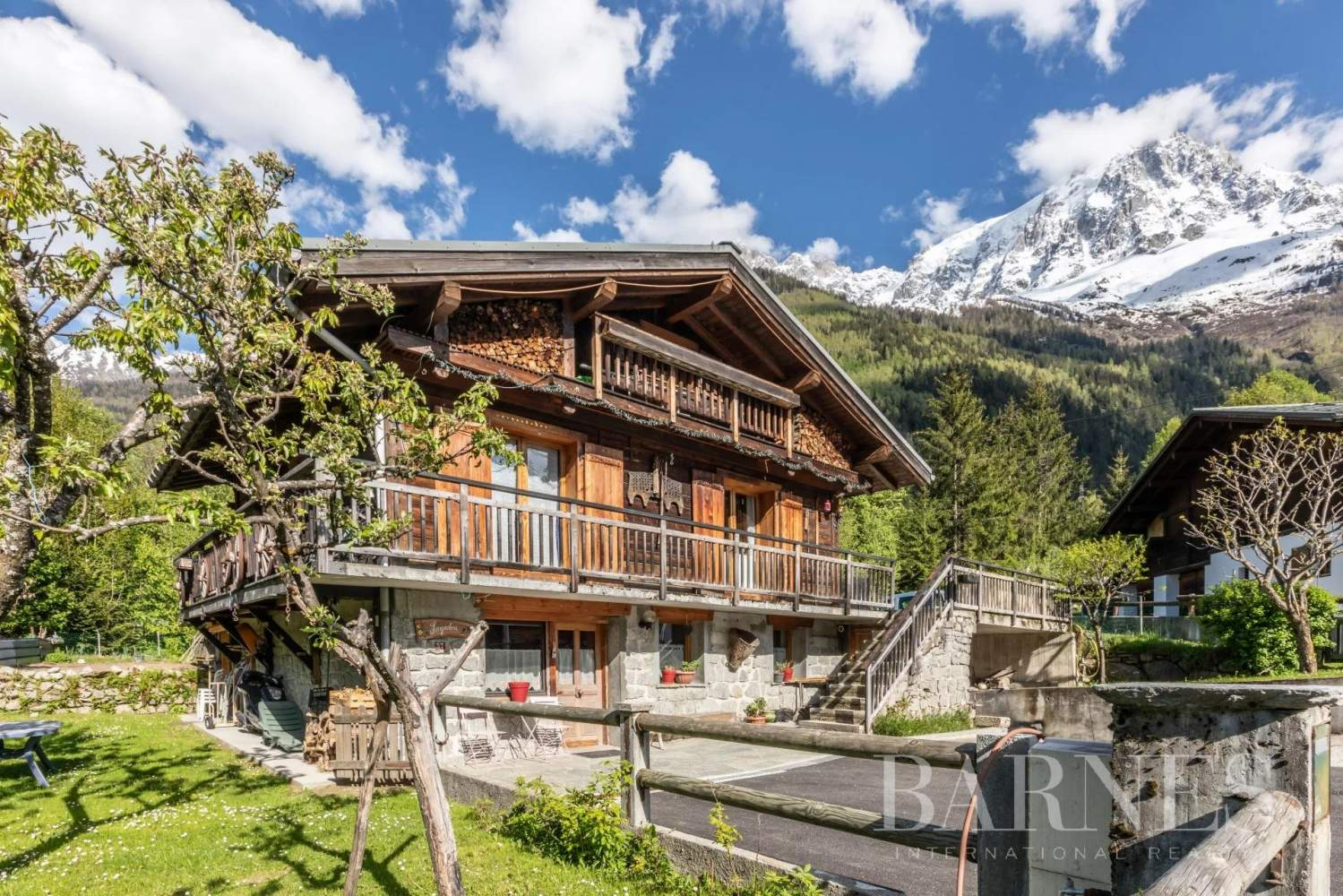 Chamonix-Mont-Blanc  - Chalet 8 Pièces 7 Chambres - picture 1