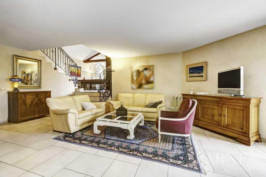 Annecy  - Maison 5 Pièces 4 Chambres
