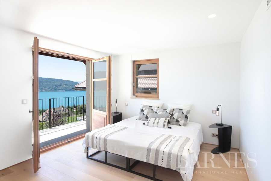 Annecy  - Villa 12 Bedrooms