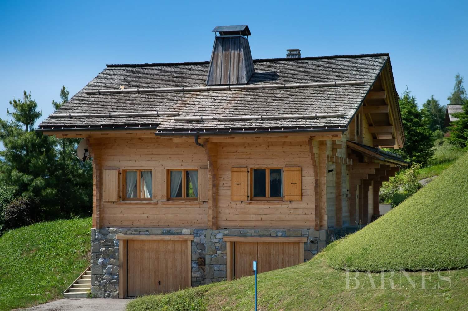 Magnifique chalet de 227 m² secteur privilégié du Mont picture 1