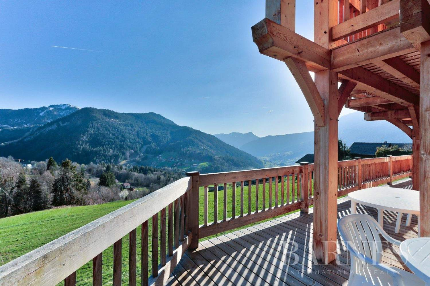 Magnificent high-end chalet in St Jean de Sixt picture 3