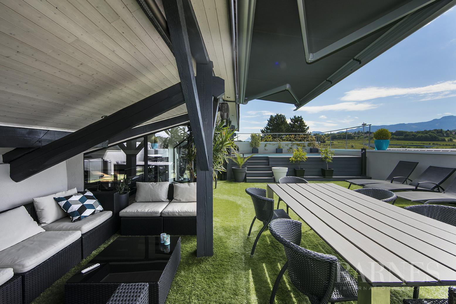 Exceptionnel Loft 6 pièces avec terrasse et piscine picture 3
