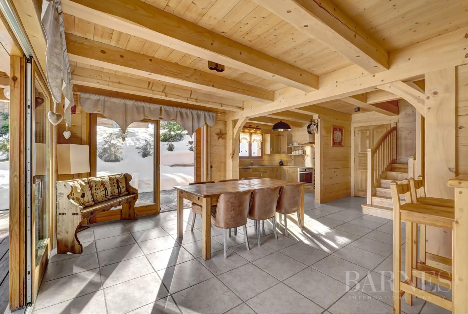Magnifique chalet de 227 m² secteur privilégié du Mont picture 4