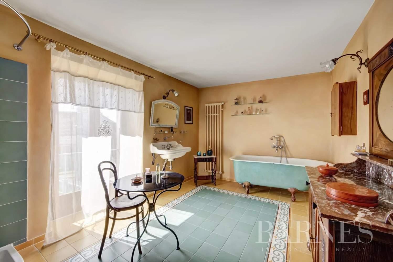 Clermont  - Maison de village 10 Pièces 3 Chambres - picture 8