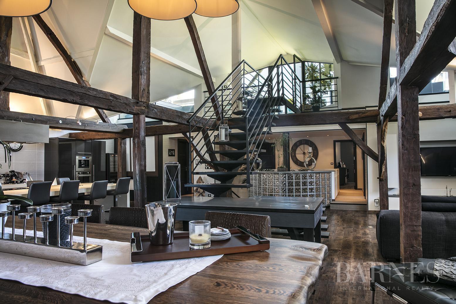 Exceptionnel Loft 6 pièces avec terrasse et piscine picture 4