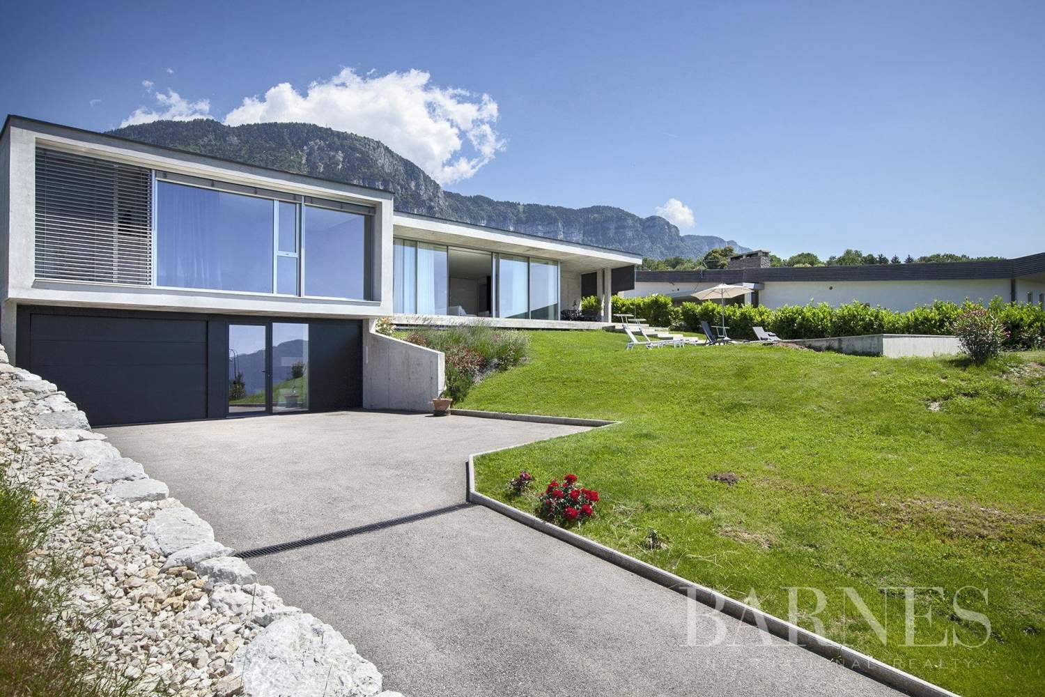 Maison d'architecte vue lac picture 2