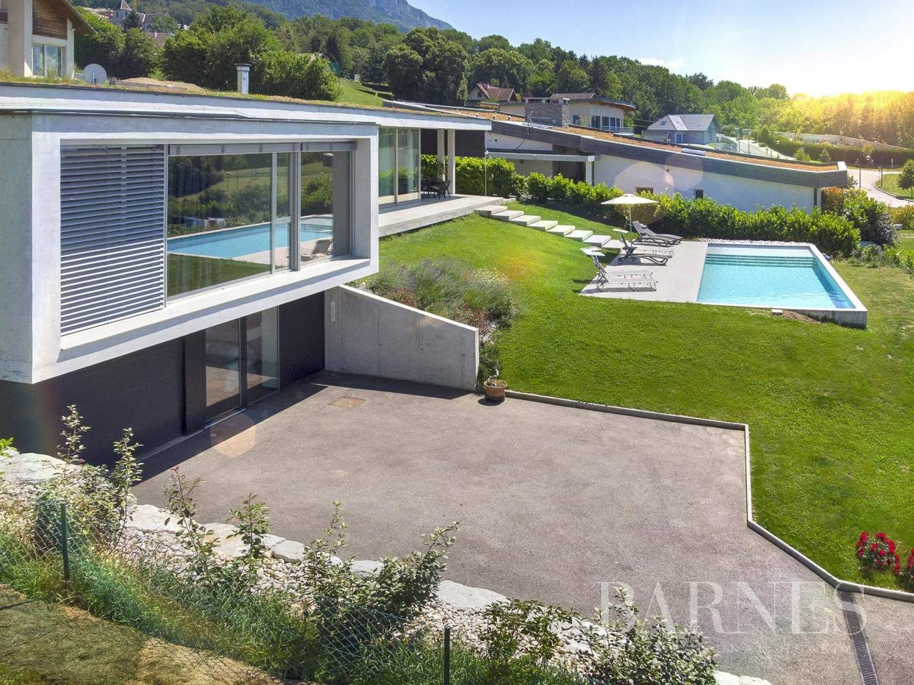 Maison d'architecte vue lac picture 1