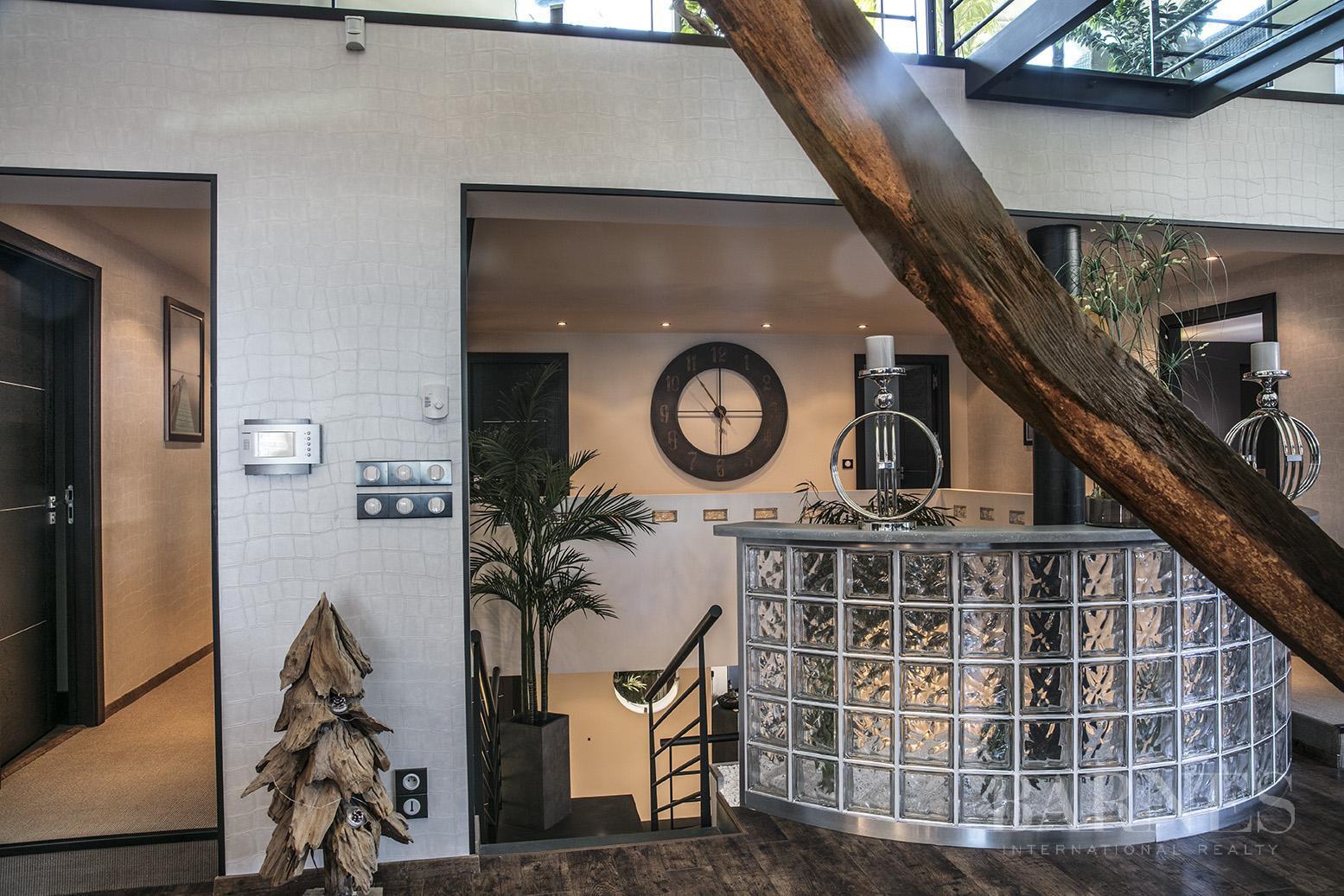 Exceptionnel Loft 6 pièces avec terrasse et piscine picture 9