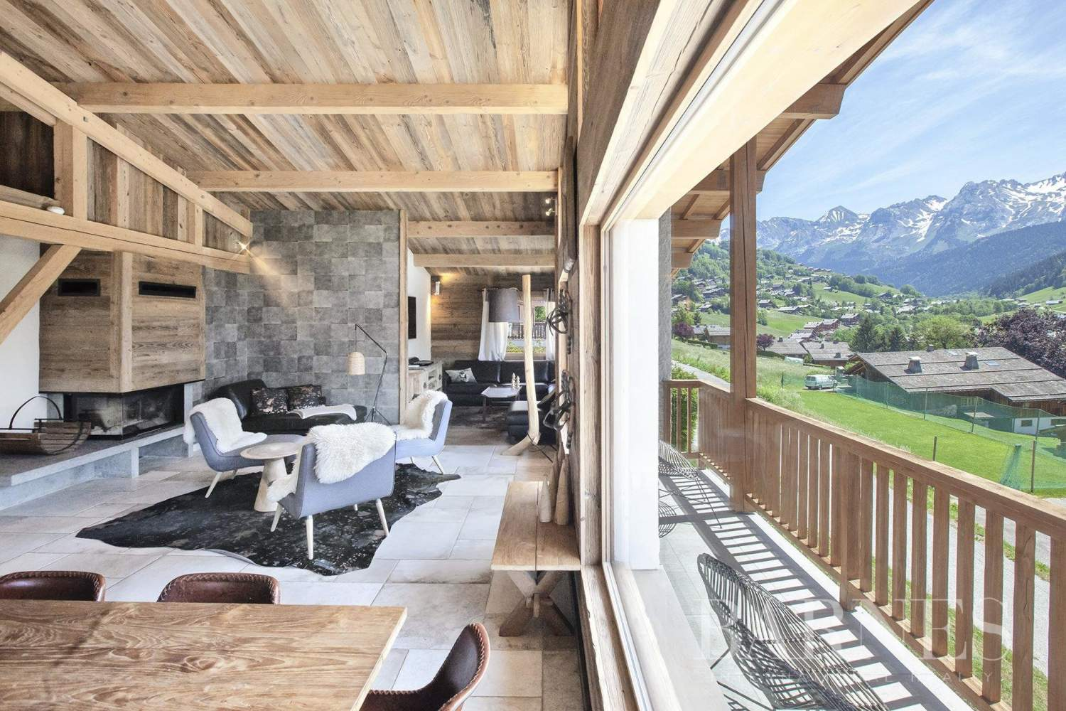 EXCEPTIONAL CHALET IN THE CENTER OF GRAND-BORNAND picture 2