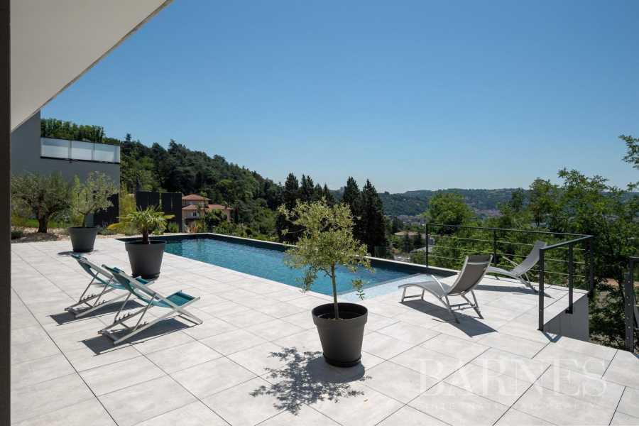 SEYSSUEL  - Villa 7 Pièces 4 Chambres