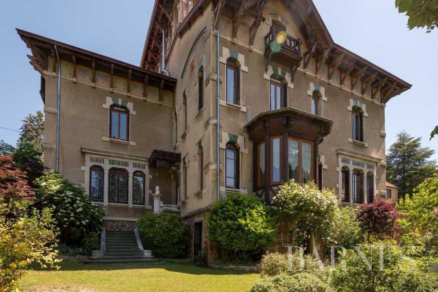 Thizy-les-Bourgs  - Hôtel particulier 18 Pièces 9 Chambres