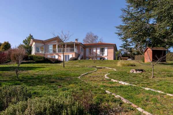 Villa Saint-Loup  -  ref 4836869 (picture 1)