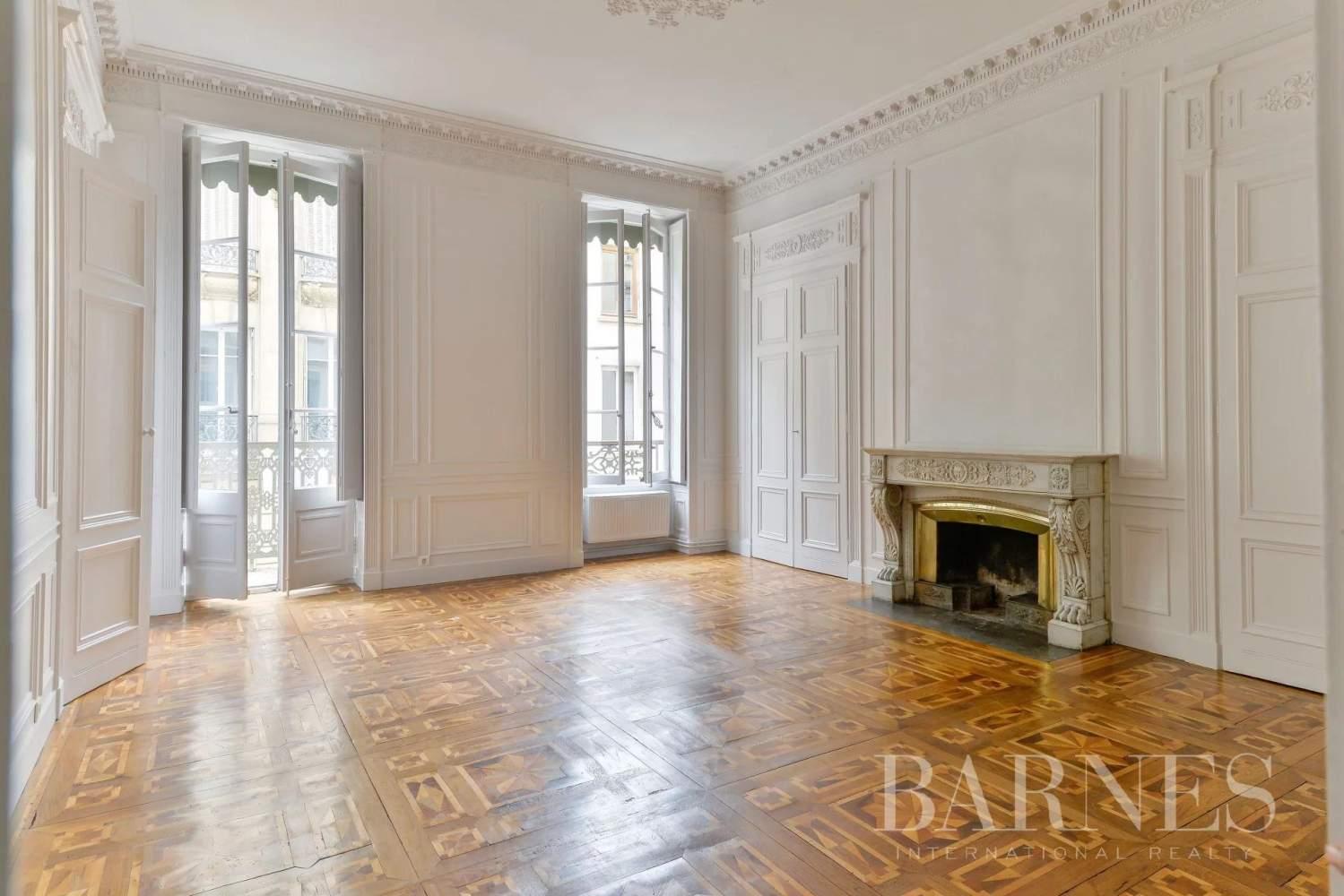 Lyon  - Appartement 7 Pièces 3 Chambres - picture 2
