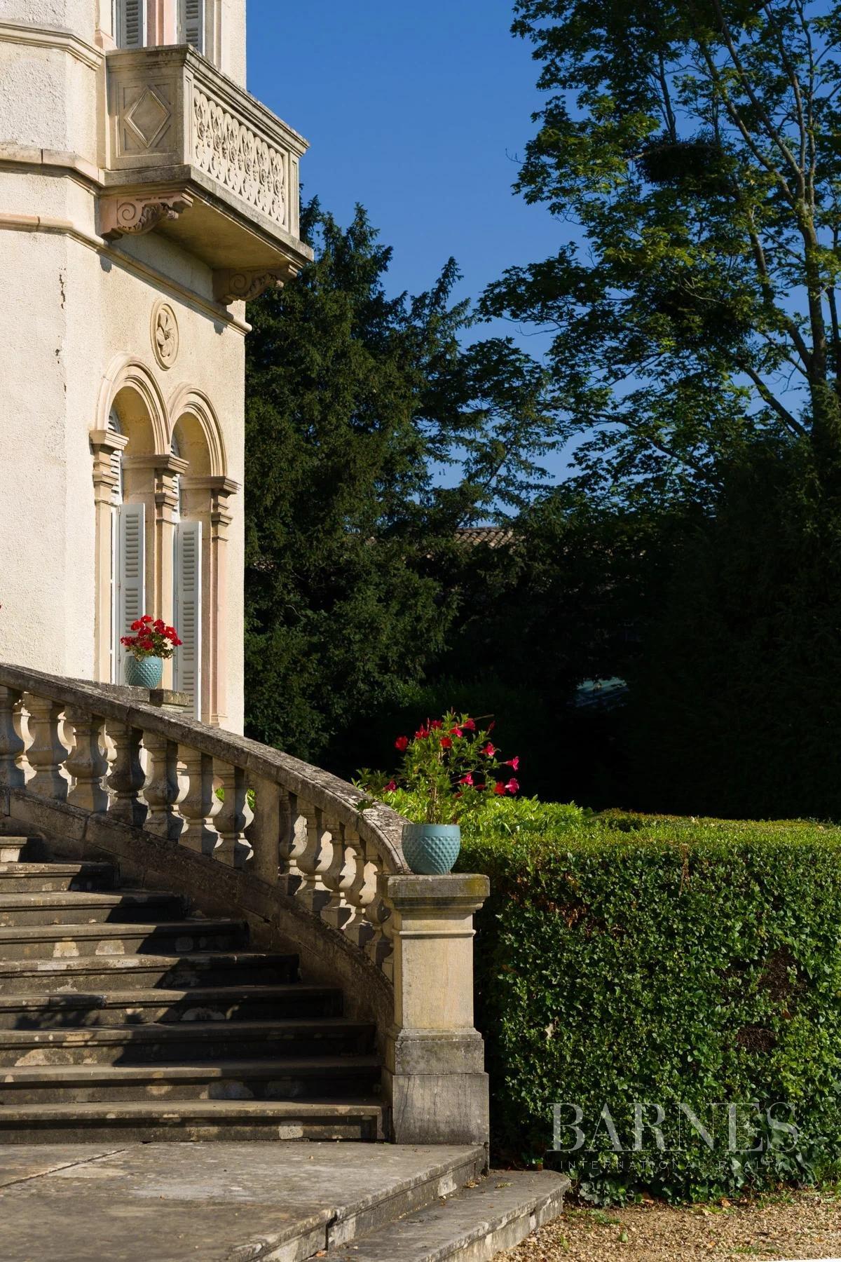 Villefranche-sur-Saône  - Château 16 Pièces - picture 2