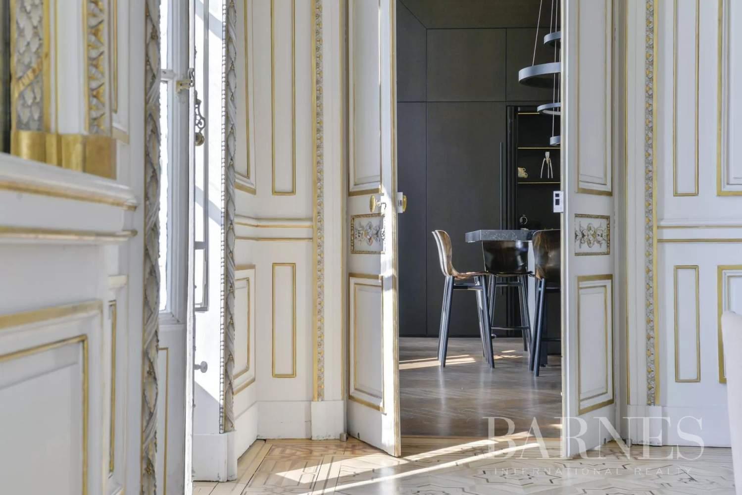 Lyon  - Appartement 8 Pièces 5 Chambres - picture 1