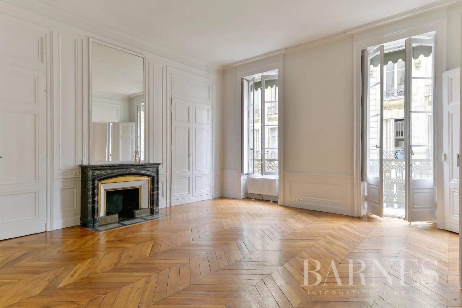 Lyon  - Appartement 7 Pièces 3 Chambres - picture 1