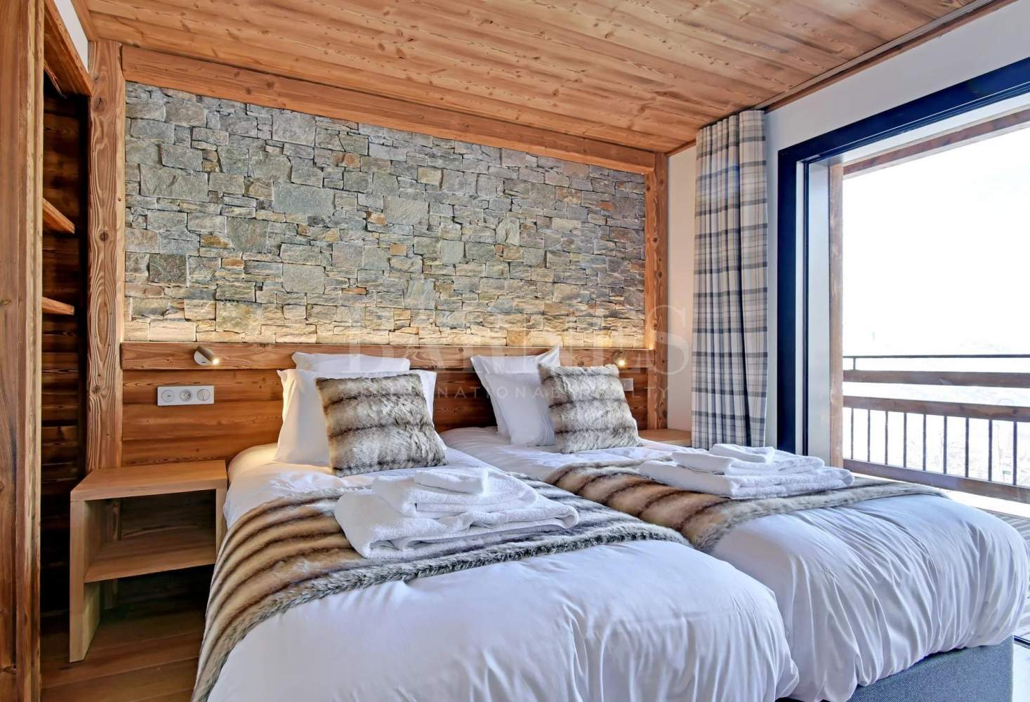 CHALET LODGE  PUREVALLEY  #5 picture 9