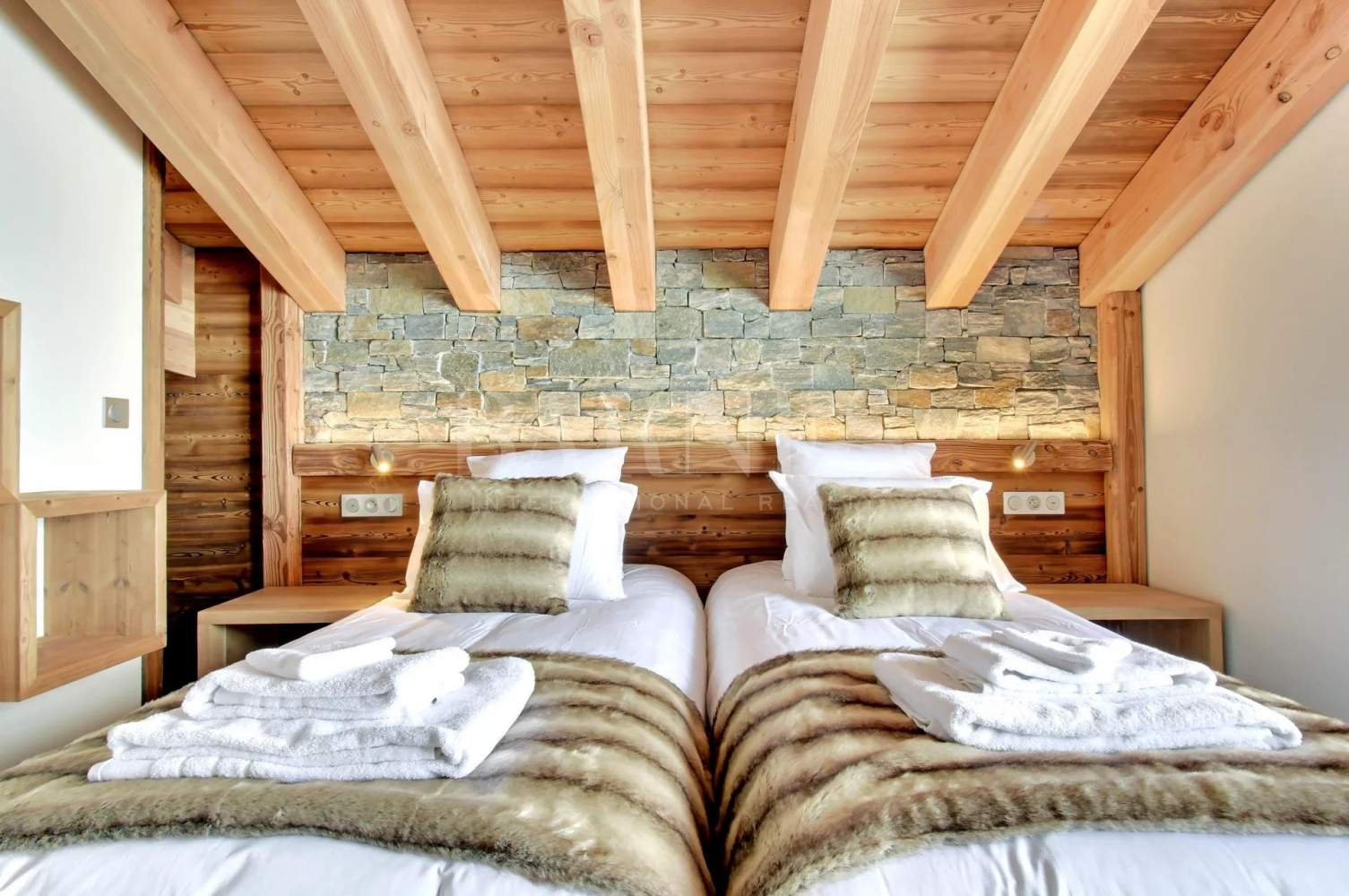 CHALET LODGE  PUREVALLEY  #5 picture 6