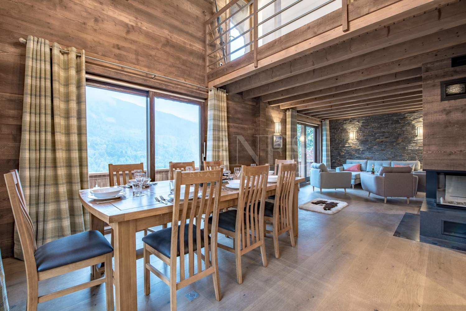 Newly renovated chalet with stunning mountain views picture 5