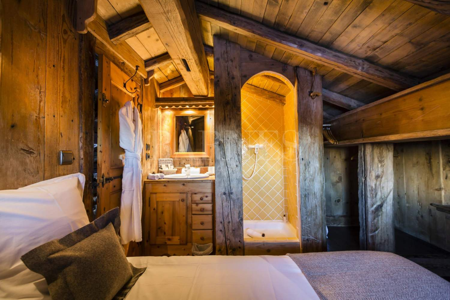 Courchevel  - Chalet 4 Bedrooms - picture 10