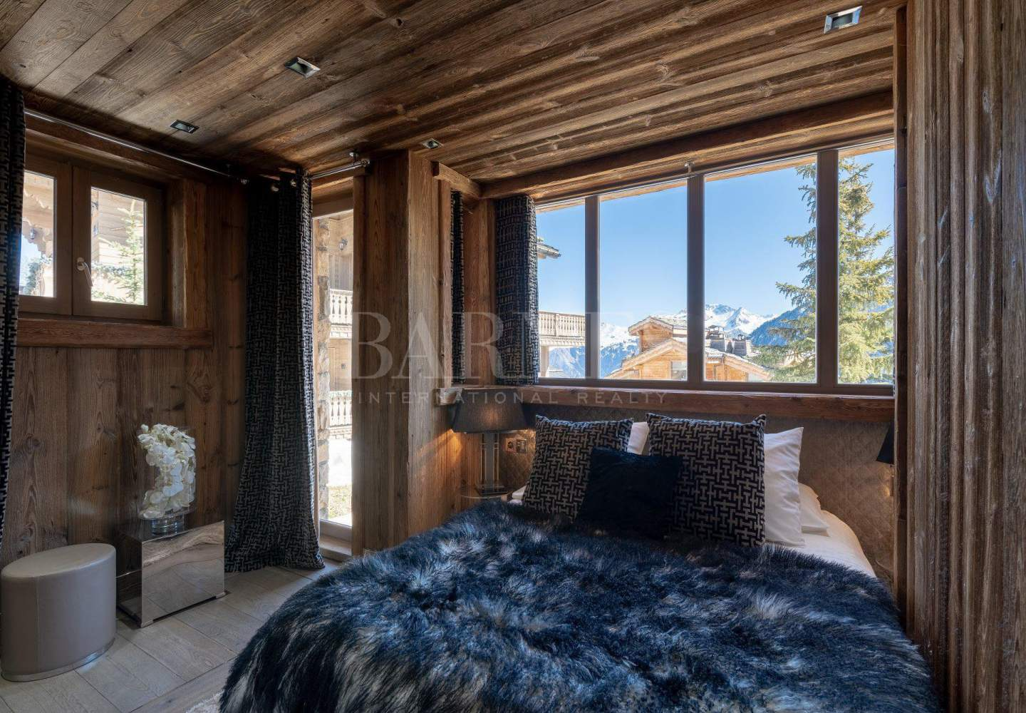 CHALET CRT picture 10