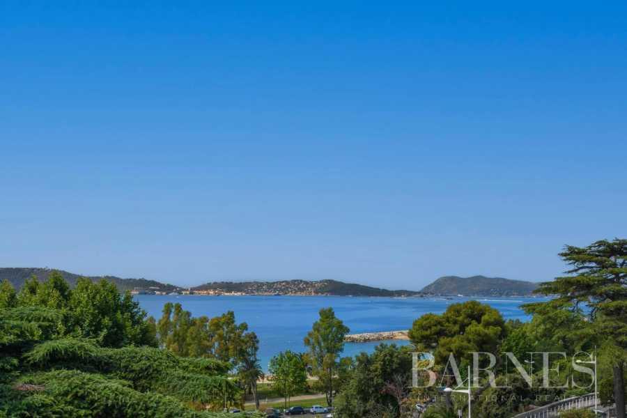 Toulon  - Maison 15 Pièces 11 Chambres