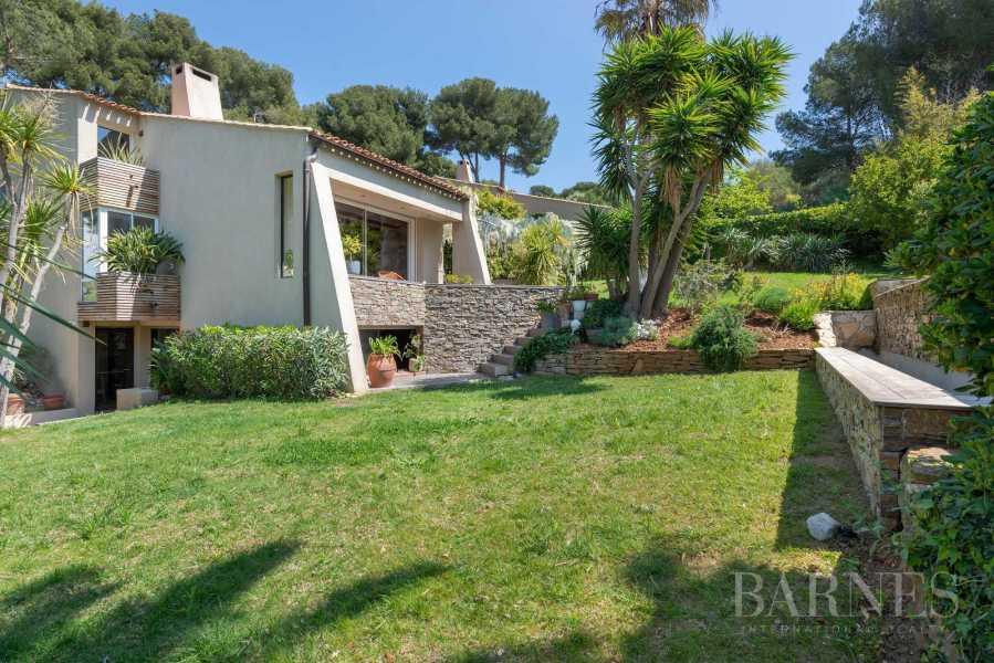 Vente - Sanary - La Cride - Villa d'architecte - Piscine - Proche plage et port picture 19