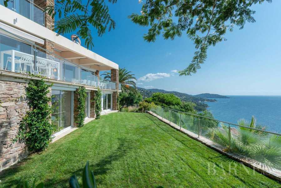 A vendre Le Lavandou villa 6 chambres vue mer panoramique - piscine picture 19