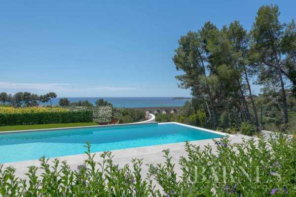 Villa Sanary-sur-Mer  -  ref 3981031 (picture 2)