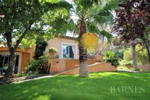 Maison Le Brusc - Ref 2543108
