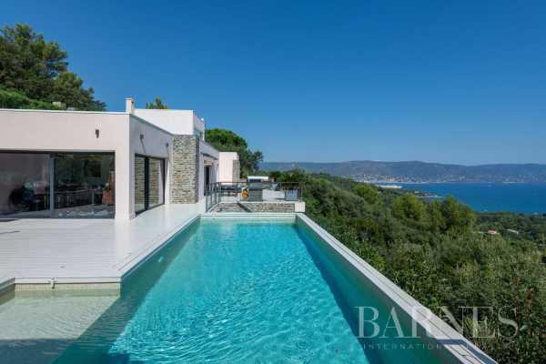 Villa Bormes-les-Mimosas  -  ref 3950536 (picture 2)