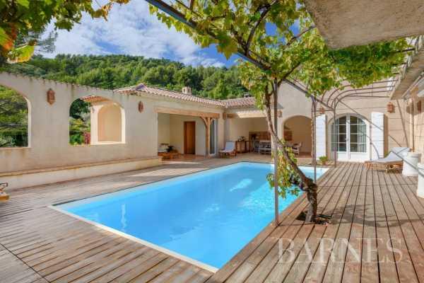 Villa Évenos  -  ref 6160667 (picture 1)