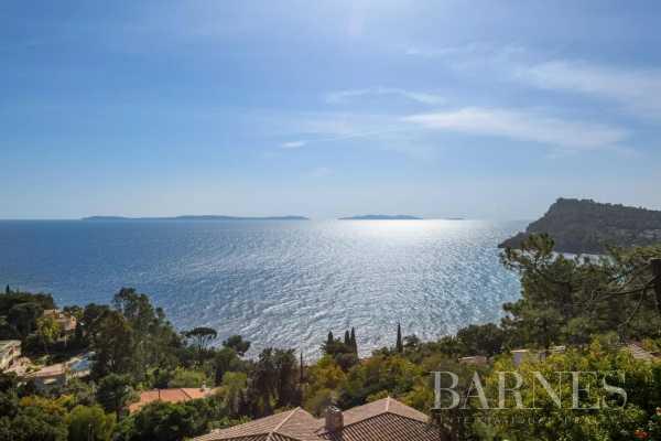 Villa Rayol-Canadel-sur-Mer  -  ref 5072469 (picture 1)