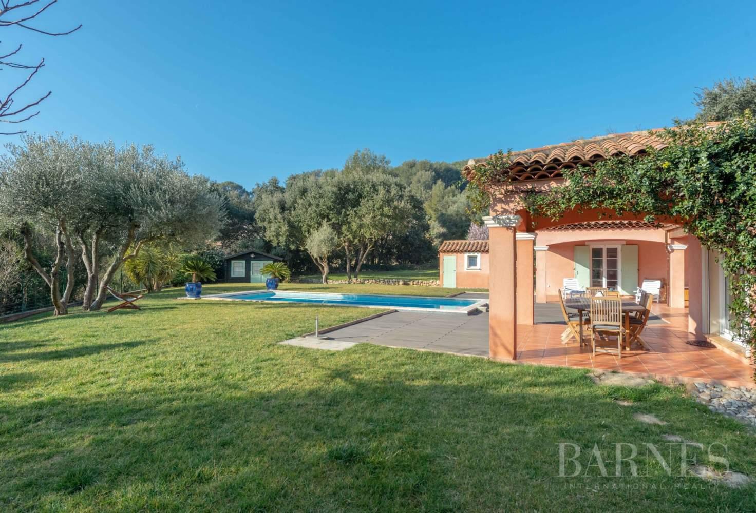 Sanary - Secteur du Lançon - villa 200m² - piscine - terrain 2197 m² picture 18
