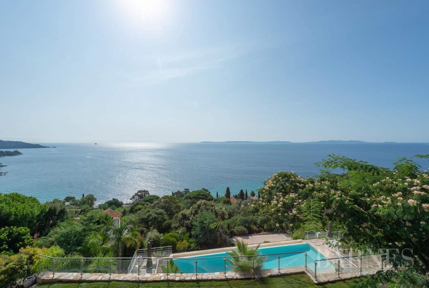 A vendre Le Lavandou villa 6 chambres vue mer panoramique - piscine picture 1