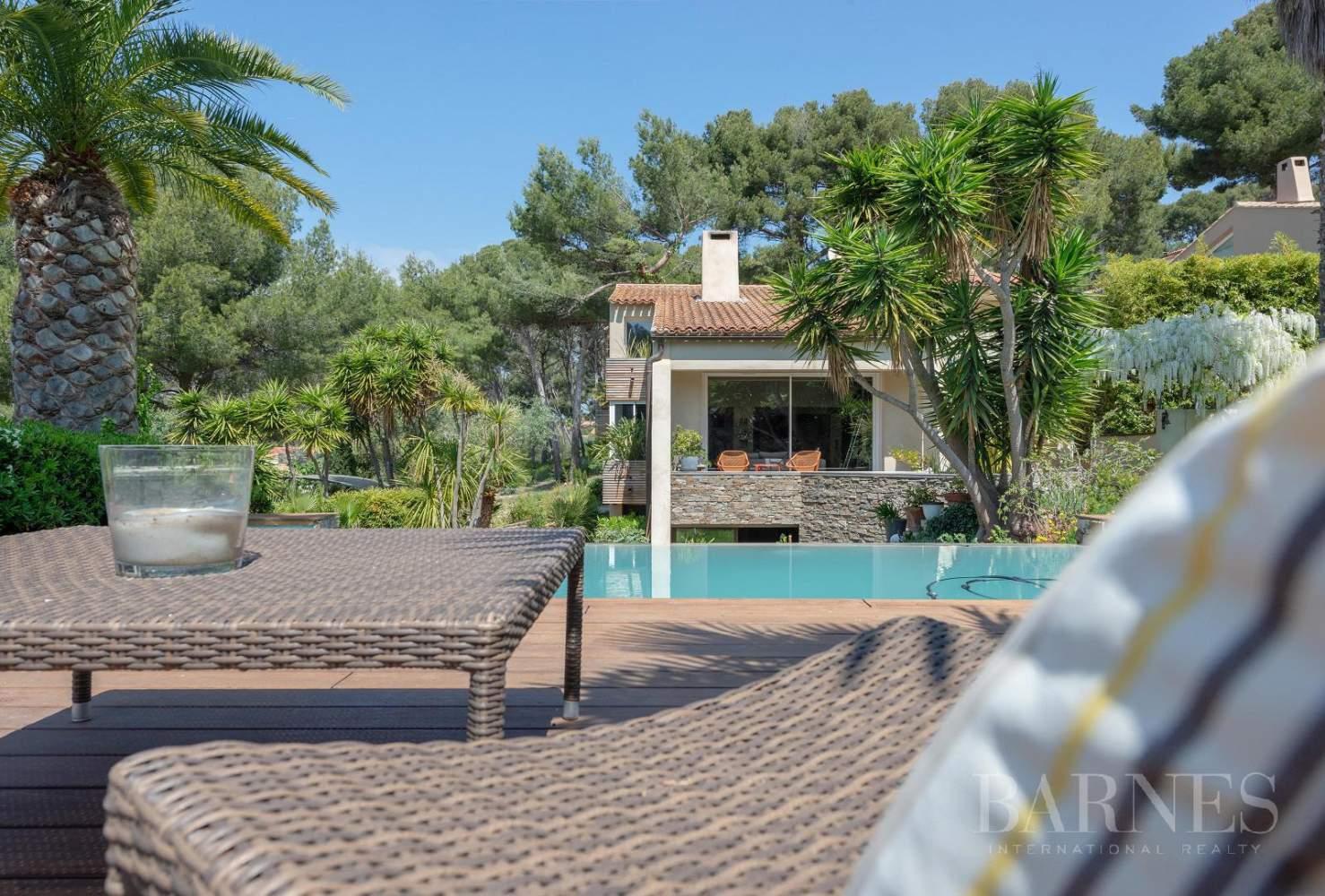 Vente - Sanary - La Cride - Villa d'architecte - Piscine - Proche plage et port picture 13