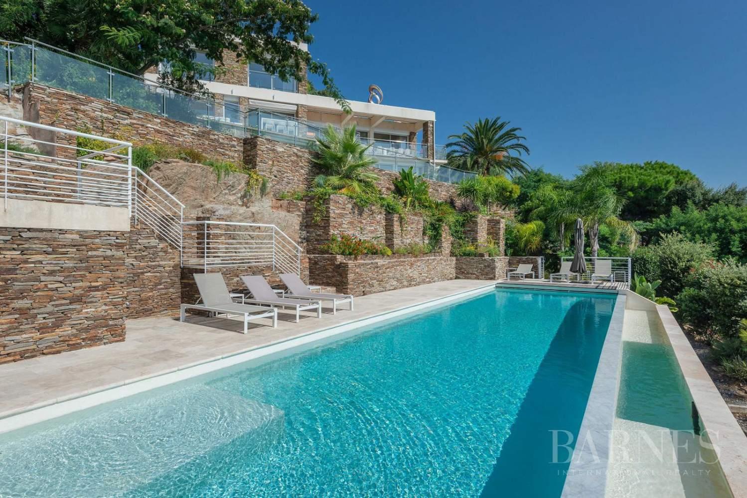 A vendre Le Lavandou villa 6 chambres vue mer panoramique - piscine picture 2