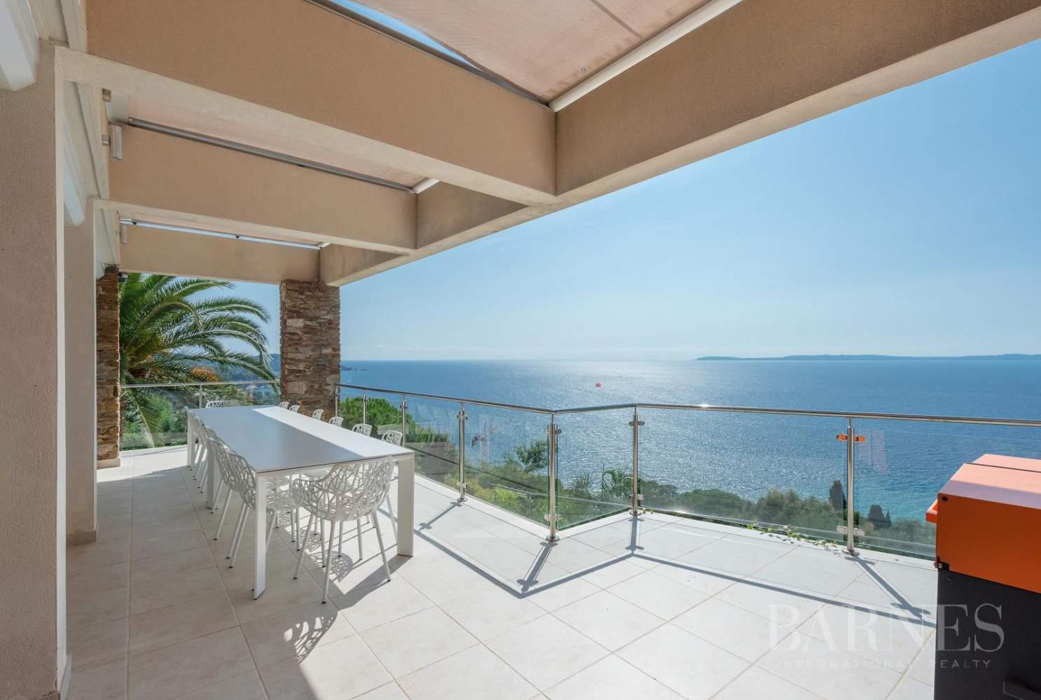 A vendre Le Lavandou villa 6 chambres vue mer panoramique - piscine picture 17