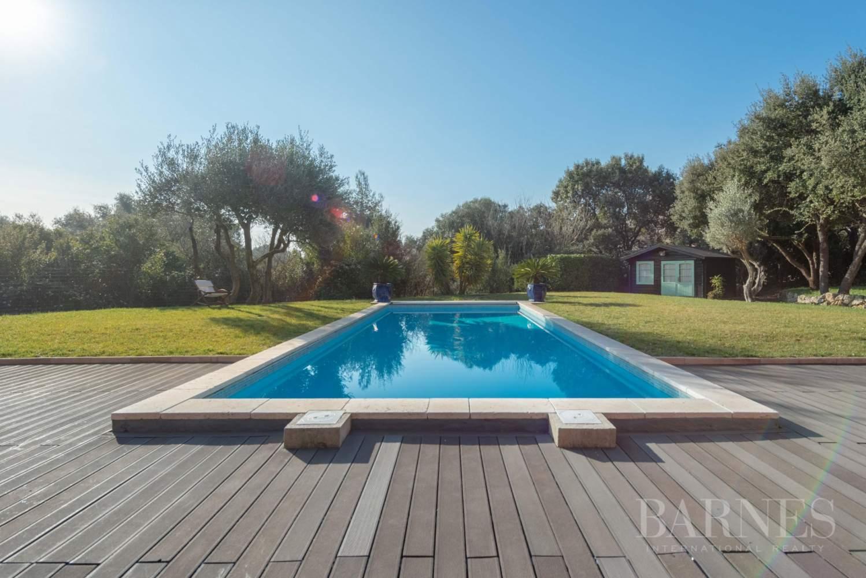 Sanary - Secteur du Lançon - villa 200m² - piscine - terrain 2197 m² picture 3