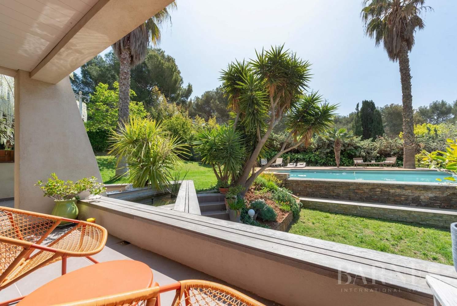 Vente - Sanary - La Cride - Villa d'architecte - Piscine - Proche plage et port picture 9