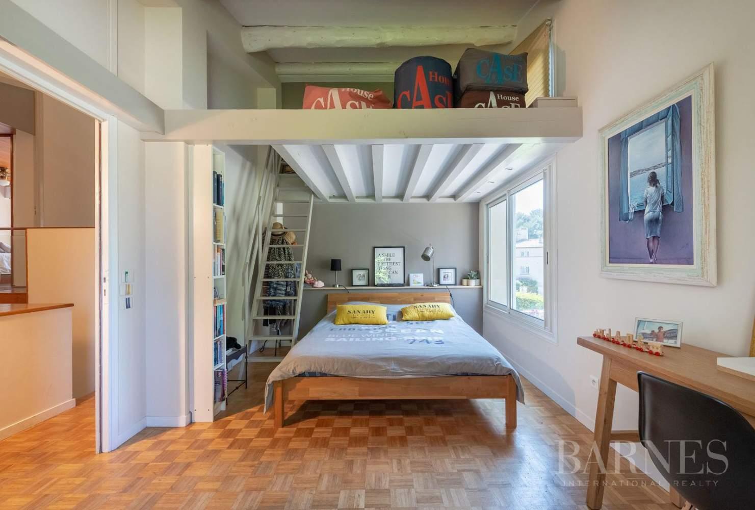 Vente - Sanary - La Cride - Villa d'architecte - Piscine - Proche plage et port picture 12