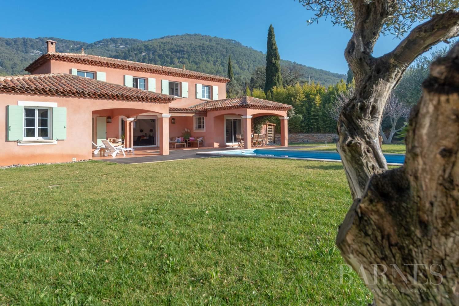 Sanary - Secteur du Lançon - villa 200m² - piscine - terrain 2197 m² picture 1