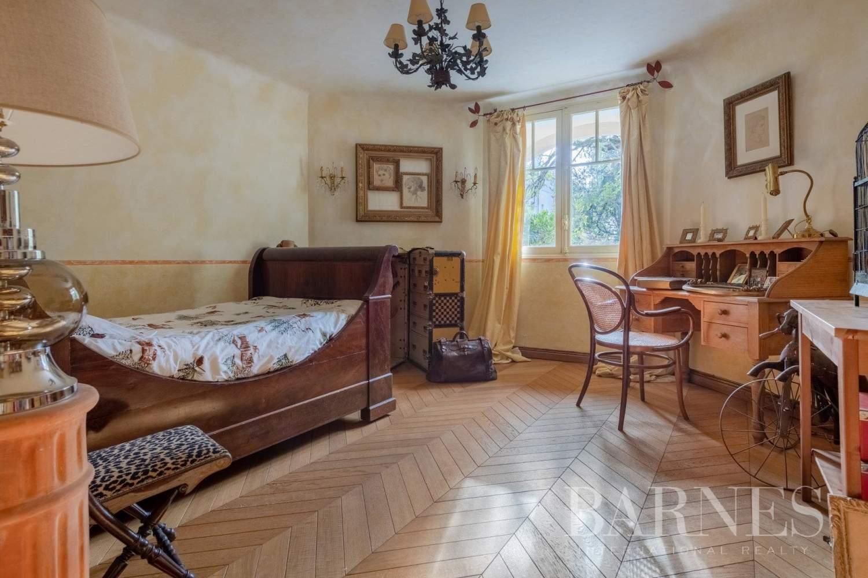 Hyères  - Maison 8 Pièces 4 Chambres - picture 18
