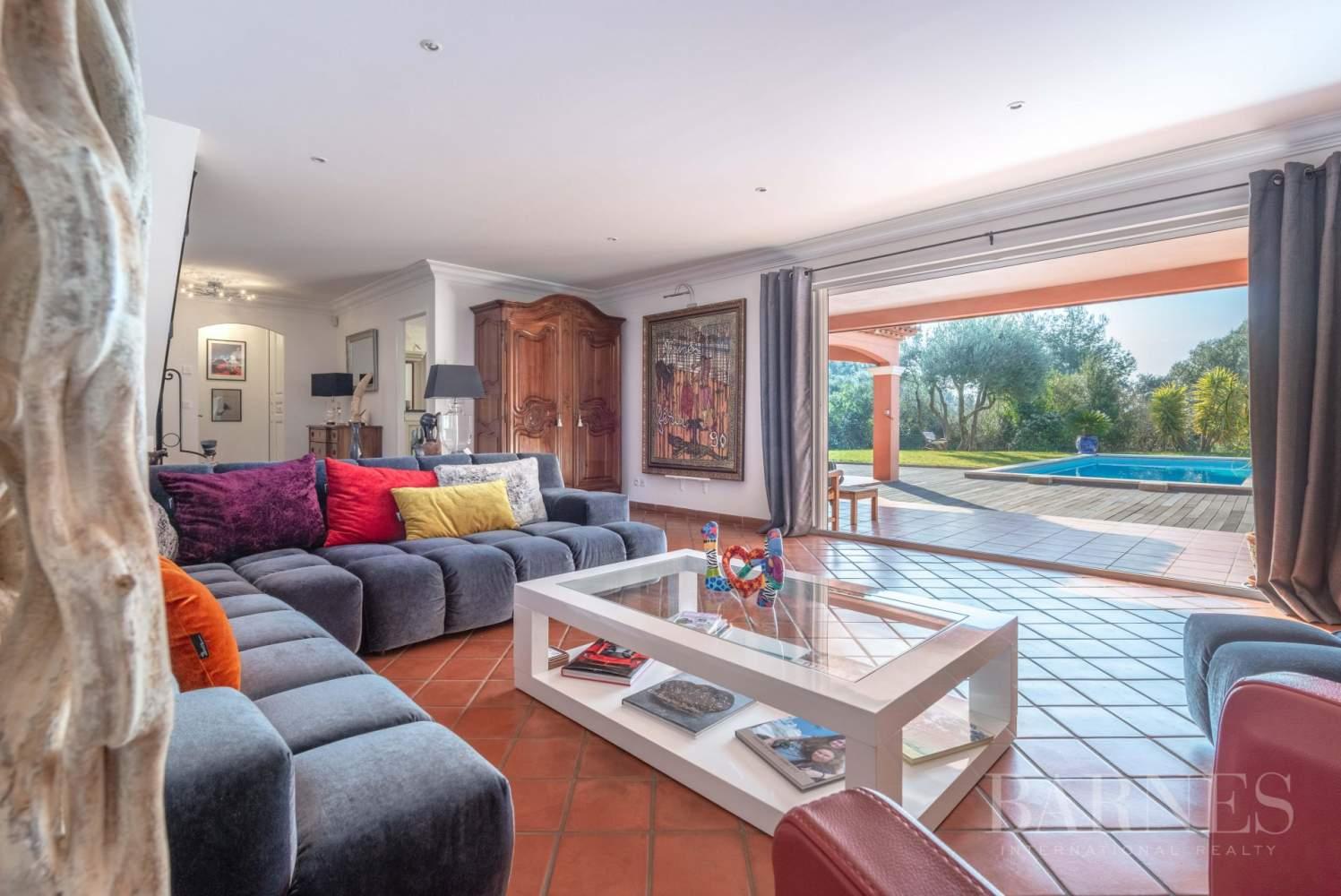 Sanary - Secteur du Lançon - villa 200m² - piscine - terrain 2197 m² picture 4