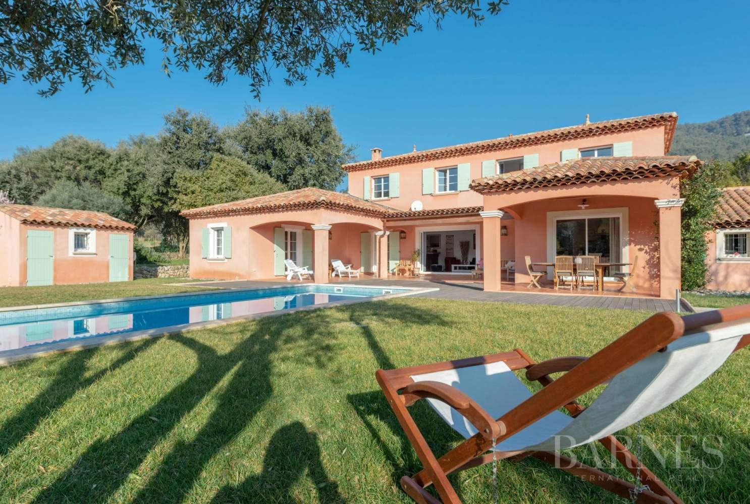 Sanary - Secteur du Lançon - villa 200m² - piscine - terrain 2197 m² picture 2